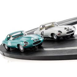 Scalextric C3898A Legends Jaguar E-type 1963 International Trophy Twin Pack - Li