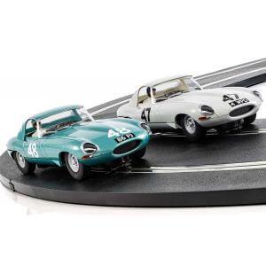 Scalextric C3898A Legends Jaguar E-type 1963 International Trophy Twin Pack - Li